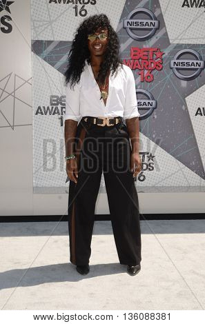 LOS ANGELES - JUN 26:  E.J. King at the BET Awards Arrivals at the Microsoft Theater on June 26, 2016 in Los Angeles, CA