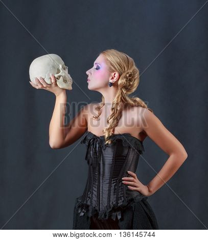 Woman with a Skull. Shakespeare's Hamlet female version