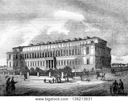 The Pinacotheque, painting museum, in Munich, vintage engraved illustration. Magasin Pittoresque 1836.
