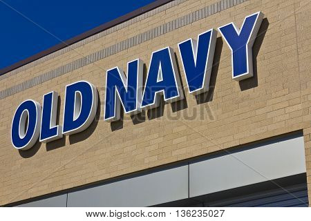 Indianapolis - Circa June 2016: Old Navy Retail Mall Location. Old Navy is a Division of Gap Inc. I