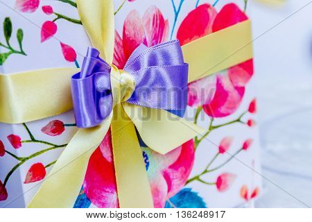 gift box ribbon decoration