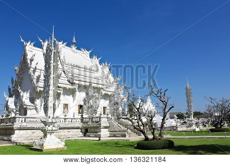 Roin Khun temple is in Chieng Rai, North of Thailand. It is a famous tourist attraction place.