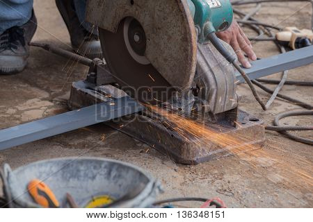 Cutting Steel With Grinder