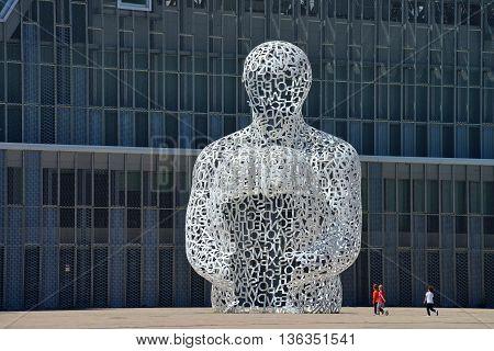 ZARAGOZA SPAIN-APRIL 18 : The modern sculpture El Alma del Ebro by Artist Jaume Plensa on 18 April 2014 in Zaragoza (Spain). Was created for the International EXPO in Zaragoza.