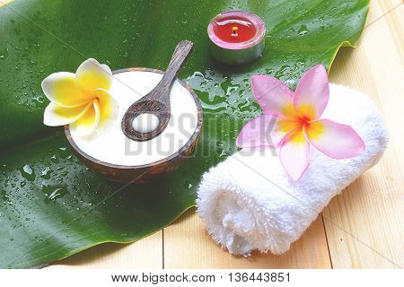 close up Yogurt natural spa treatments for skin.