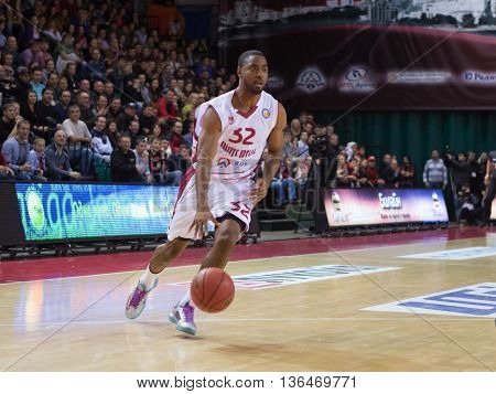 Bc Krasnye Krylia Guard Aaron Miles (32) Dribbles The Ball