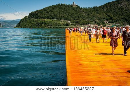 Floating Piers Walkway Edge Horizontal