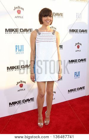 LOS ANGELES - JUN 29:  Aubrey Plaza at the Mike And Dave Need Wedding Dates Premiere at the Cinerama Dome at ArcLight Hollywood on June 29, 2016 in Los Angeles, CA