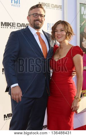 LOS ANGELES - JUN 29:  Jake Szymanski, Wife at the Mike And Dave Need Wedding Dates Premiere at the Cinerama Dome at ArcLight Hollywood on June 29, 2016 in Los Angeles, CA