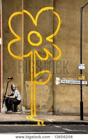 GENUINE BANKSY graffiti. Created 31st October 2007. Yellow Line Man. Pollard Street