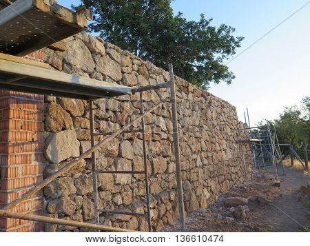 Building a retaining wall for new house on hillside