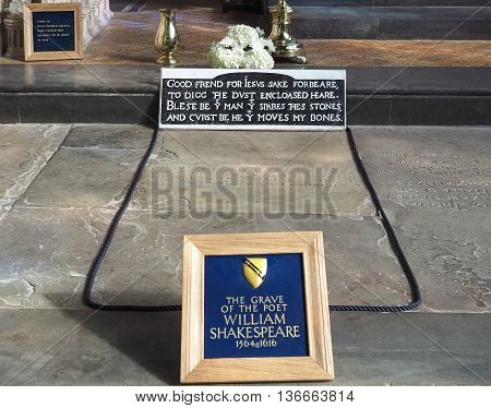 Shakespeare Grave In Stratford Upon Avon