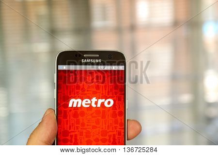 MONTREAL CANADA - JUNE 24 2016 : Metro android application on Samsung S7 screen. Metro Inc. is food retailer operating in the Canadian provinces of Quebec and Ontario.