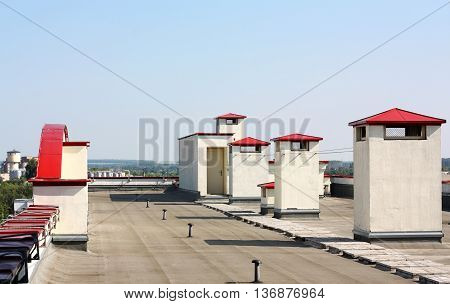 Modern buildings support facilities located on the roof
