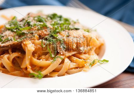 tomato and mushroom whole wehat pasta with cilantro
