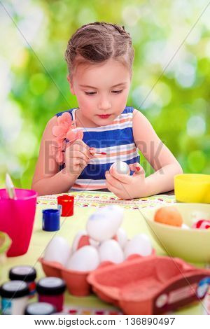 coloring easter eggs at home