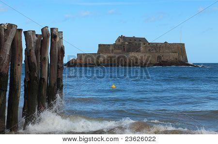O nacional forte de Saint Malo