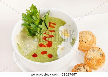 Green cream soup