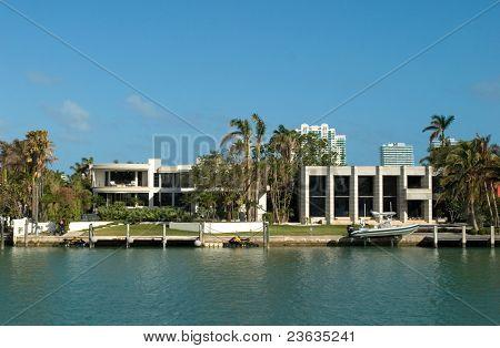 teure Haus an der Bucht in Miamis Schlüssel Biscayne Florida. Heimat der reichen und berühmten