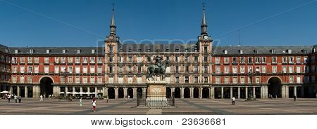 Plaza Mayor frontal shot panorama