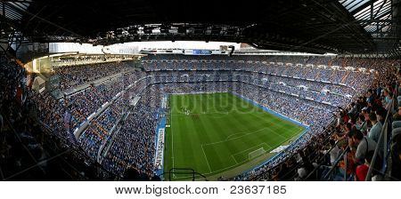 MADRID, Spanien - 7.9.: Santiago-Bernabéu-Stadion, Madrid, Real Madrid Spiel 7. September 2005