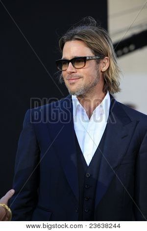 LOS ANGELES - SEP 19:  Brad Pitt arrives at the