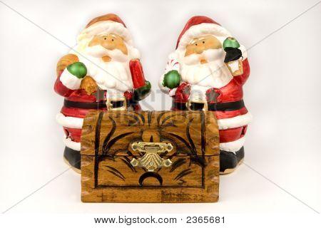 Papá Noel y Retro con regalos