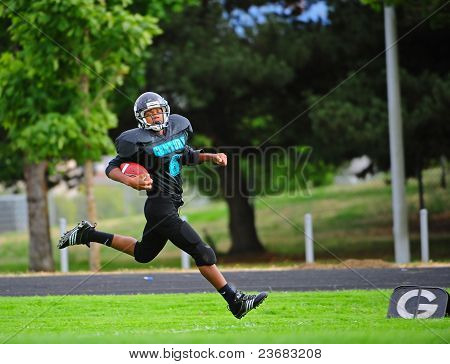 Youth American Football touch down