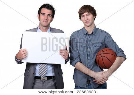 Treinador e jogador de basquete