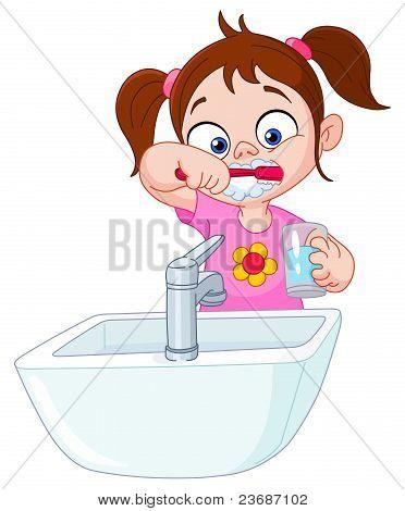 Menina escovando dentes