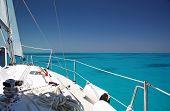 image of sail-boats  - Sailing the shallow seas off the coast of the Florida Keys - JPG