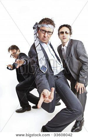 Empresários loucos dançando