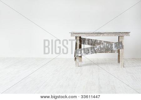 Construction Grunge Ladder  In White Empty  Interior: White Wall And Gray Floor. Apartment Decoratio