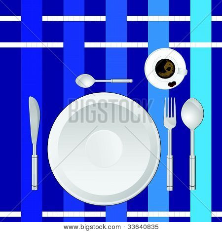 Serviço de jantar em uma toalha de mesa azul