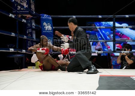 Thai Boxer Knocked Out