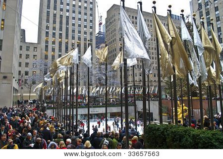 Big Crowd Rockefeller Center