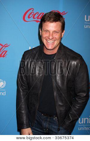 LOS ANGELES - MAR 15:  Doug Savant arrives at the