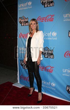 LOS ANGELES - MAR 15:  Heidi Klum arrives at the