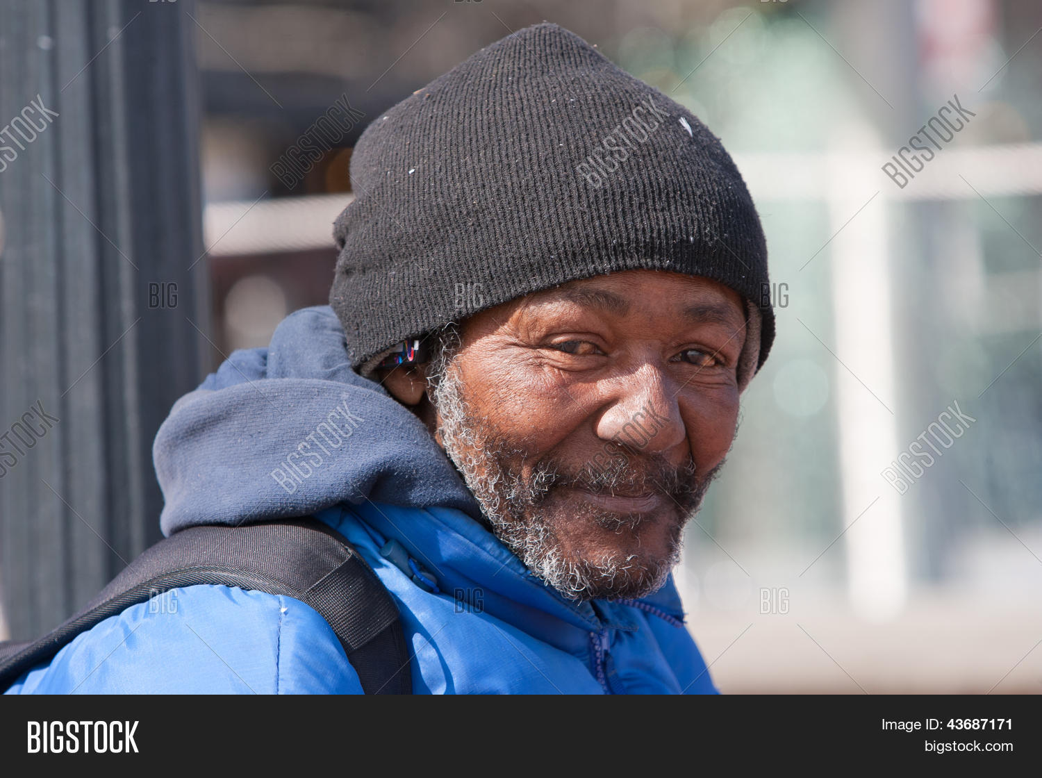 Image Gallery happy homeless