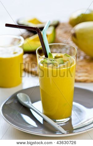 Avocado with Mango Smoothie