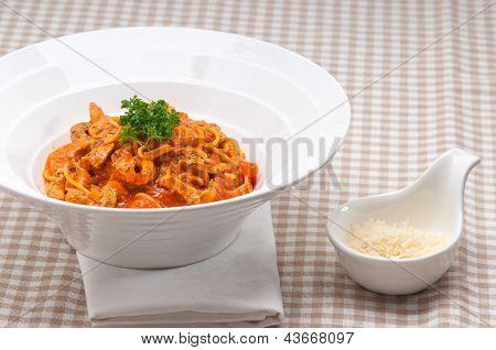 Italian Spaghetti Pasta With Tomato And Chicken