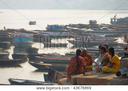 Priest Blessing Family Deceased Ganges Varanasi