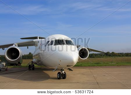 Passenger Aircraft An 158