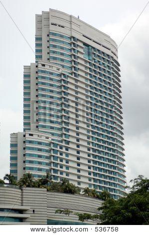 Tiendas y Apartamento 2