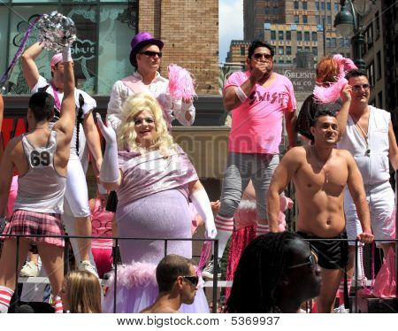 Nyc Gay Pride March On June 28, 2009