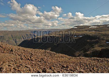 Plains, Gorges And Cliffs