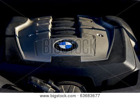 Engine Of Bmw 750Li E66