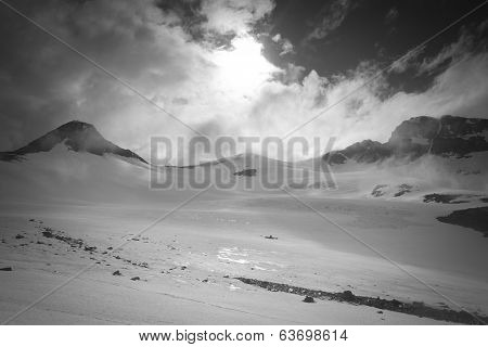 Sun and Snowfield
