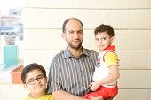 picture of muslim kids  - Lifestyle father parenting kids - JPG
