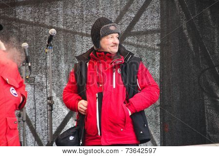 Economist Sergei Aleksashenko on the stage of opposition rally